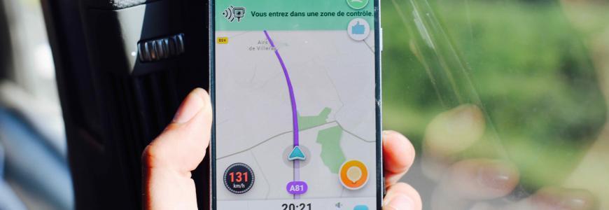 Telephone au volant : montant de l'amende et points de permis perdus