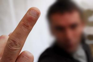 dehan-schinazi-avocat-permis-de-conduire-doigt-honneur-radar